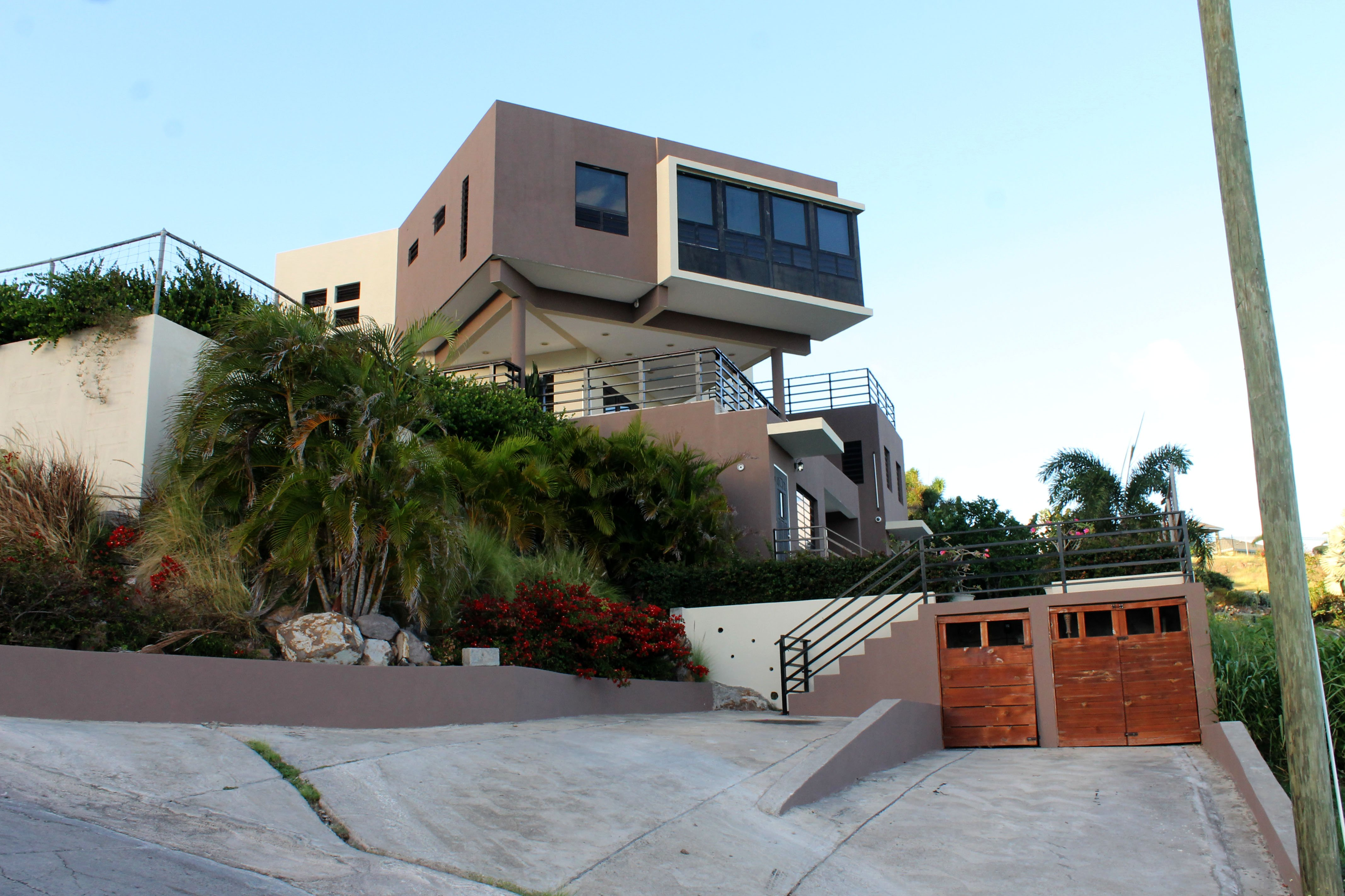 House At Frigate Bay (1)