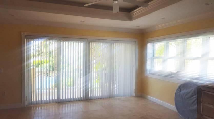 Hamilton Beach Villa (US$650k)